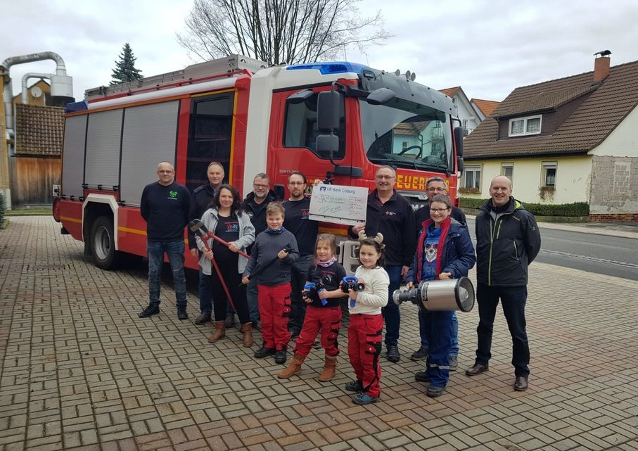 Spendenübergabe für die Freiwillige Feuerwehr Weidhausen